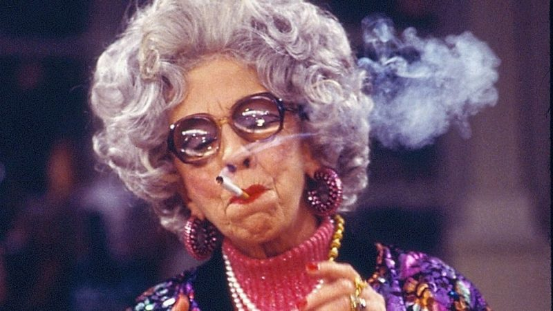 zia-yetta-fumo-sigaretta
