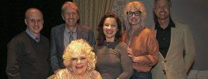 Gallery: Fran Drescher, Charles Shaughnessy e il resto del cast de La Tata riuniti alla premiere del nuovo show di Renée Taylor